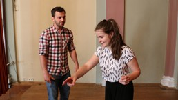 Studenten im Workshop für Bühnenpräsenz